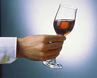 wset课程适合愿意学习葡萄酒品尝的爱好者,时尚白领,高端人士以及
